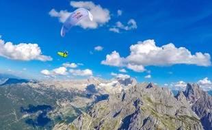 Benoît Outters a traversé les Alpes en parapente.
