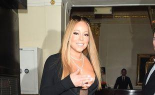 Des lunettes et des sacs à main ont été volés dans la maison de la chanteuse Mariah Carey.