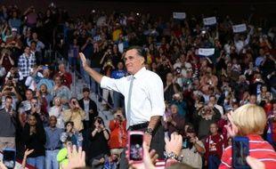 Le candidat républicain à la Maison Blanche Mitt Romney a annulé tous ses événements de campagne prévus dimanche dans l'Etat de Virginie (est), situé sur la côte où l'ouragan Sandy est censé arriver en début de semaine, menaçant de faire de sérieux dégâts.