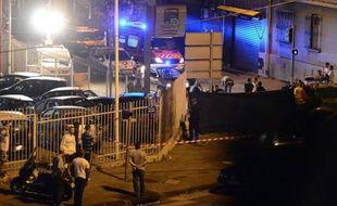 Un homme de 25 ans a été tué d'une rafale de Kalachnikov mercredi soir dans les quartiers nord de Marseille, par le passager d'une voiture.