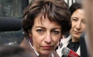 """La députée PS Marisol Touraine a dénoncé mardi le compromis annoncé sur la baisse des indemnités maladies en jugeant que le gouvernement continue de """"faire des économies sur le dos des malades""""."""