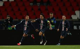 Neymar célèbre son but contre Bortmund en 8e de finale retour de la Ligue des champions le 11 mars 2020
