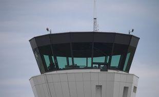 Image d'illustration d'une tour de contrôle.