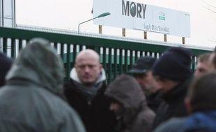 Les salariés de Mory Ducros  du site de Libercourt, dans le Pas-de-Calais ont bloqué le dépôt de  Lesquin, le 27 janvier 2014.