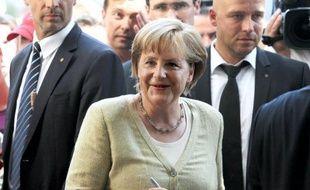 La chancelière allemande Angela Merkel est encore cette année la femme la plus puissante du monde, devant la secrétaire d'Etat américaine Hillary Clinton et la présidente brésilienne Dilma Rousseff, selon le classement annuel du magazine Forbes publié mercredi.