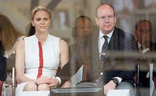 Le Prince Albert de Monaco et la princesse  Charlene assistent au Grand Prix de Monaco, le 25 mai 2014.