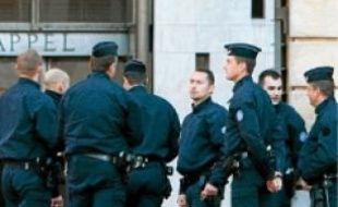 Le procès a lieu à Aix-en-Provence.