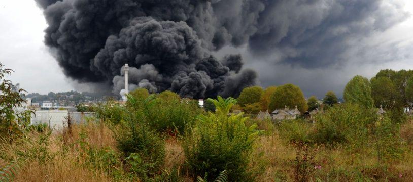 L'incendie de l'usine Lubrizol, près de Rouen, le 26 septembre 2019.