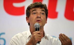 """Arnaud Montebourg, ministre du Redressement productif, a dit dimanche sur BFM TV que """"le nucléaire est une filière d'avenir"""" tout en reconnaissant qu'il fallait qu'il soit """"rééquilibré""""."""
