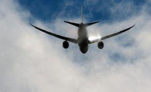 Les autorités aériennes américaines tentaient de déterminer l'origine d'un départ de feu survenu lundi à Boston (nord-est) dans un avion neuf Boeing 787 Dreamliner exploité par Japan Airlines, après son atterrissage à Boston (nord-est), ont-elles fait savoir lundi soir.