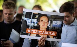 Des militants demandent la libération de Carola Rackete, le 2 juillet 2019 à Cologne.