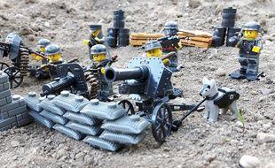 Des figurines Lego habillées en soldats nazis sont en vente sur le site allemand d'Amazon.