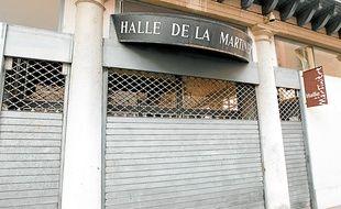 La halle de la Martinière, premier marché couvert de Lyon, a fermé ses portes il y a un an.