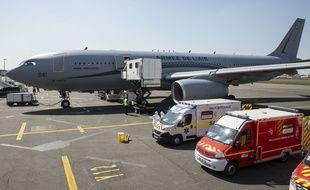 Lors d'un pont aérien entre Mulhouse et Bordeaux pour transporter des patients covid-19 dans un état grave. (Illustration).