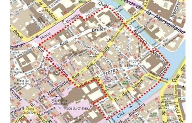 La zone piétonisée située dans la zone en pointillés rouges