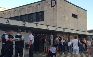 Gleizé, le 13 septembre 2016. Une lycéenne a été poignardée au lycée Louis-Armand, lundi soir, par un autre élève de Première, âgé de 15 ans.