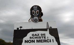 Dix-neuf personnalités du monde de l'industrie ont signé un appel à relancer le débat sur le potentiel de la France en matière de gaz de schiste, publié mercredi par l'hebdomadaire L'Usine nouvelle sur son site internet.