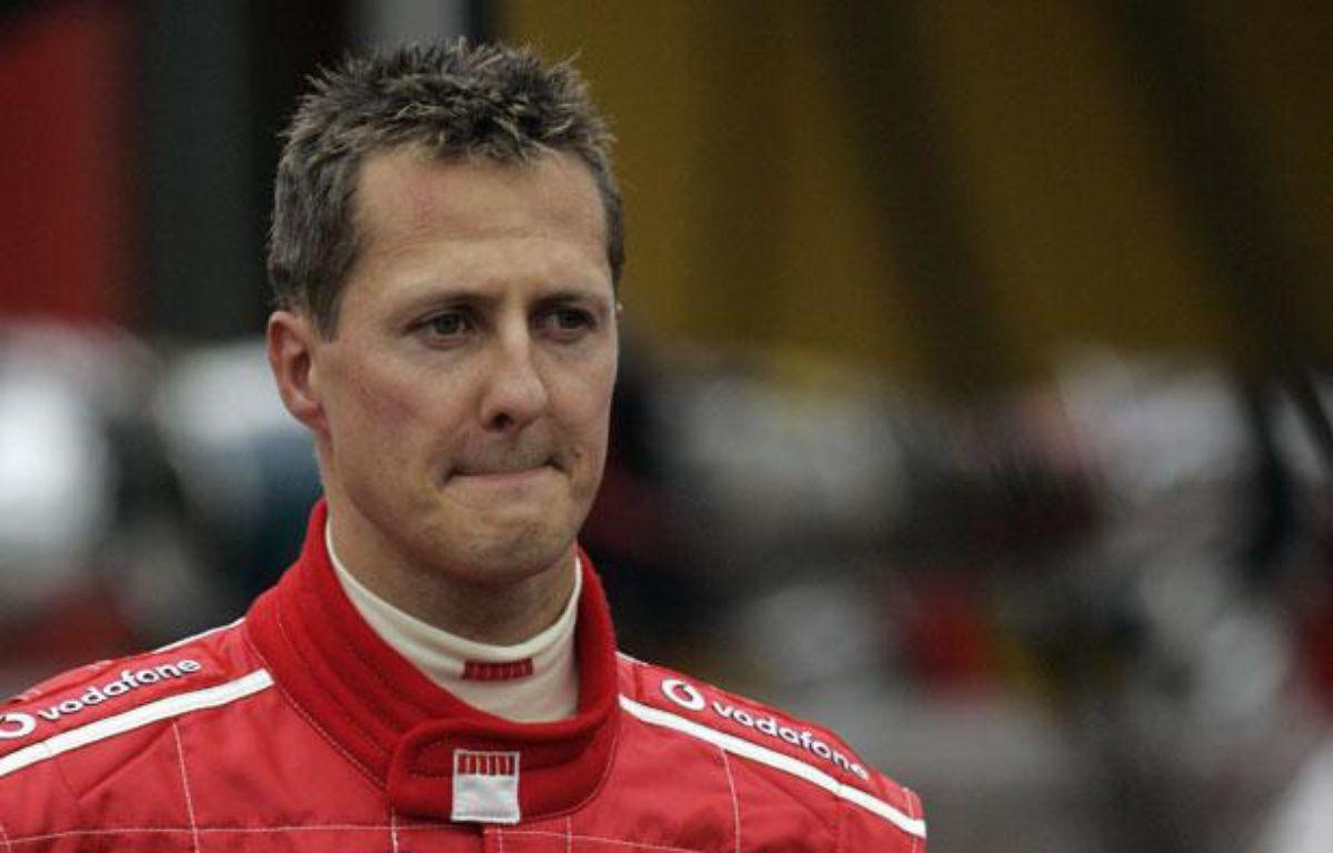 Le pilote allemand MichaelSchumacher (Ferrari), en septembre 2005 à Spa lors du Grand Prix de Belgique. – YVES LOGGHE / POOL / AFP