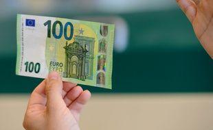 Présentation du nouveau billet de 100 euros en Italie le 20 mai 2019.