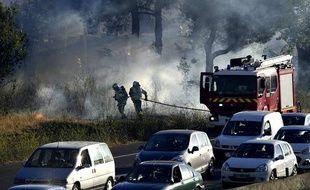 La lutte contre les flammes au nord de Marseille
