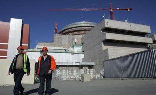 L'électricien finlandais TVO a indiqué lundi qu'il réclamait environ 1,8 milliard d'euros au consortium Areva/Siemens dans le cadre du contentieux sur les retards et surcoûts de la construction d'un réacteur nucléaire EPR.