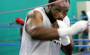 Le boxeur français Jean-Marc Mormeck, lors d'un entraînement le 30 octobre 2007 à Pantin.