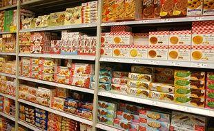 Le rayon biscuit d'un supermarché. Illustration;