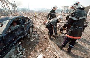 Le 21 septembre 2001, près de l'usine AZF, à Toulouse.
