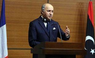 """La France va """"soutenir"""" la nouvelle coalition de l'opposition syrienne, a déclaré mardi au Caire le ministre français des Affaires étrangères Laurent Fabius après avoir rencontré ses dirigeants."""