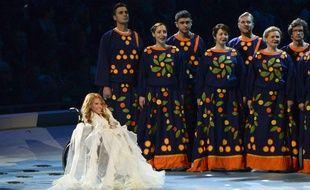 Ioulia Samoïlova, ici lors de la cérémonie de clôture des Jeux paralympiques de Sotchi en 2014, est la candidate de la Russie à l'Eurovision 2017.