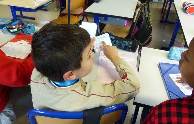 Un élève du Groupe scolaire Pierre et Marie Curie de Roissy-en-Brie, le 9/1/2017. Il participe à une séance de Twictée.