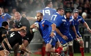 Le XV de France, défait samedi soir à Christchurch par les All Blacks (30-0), a regagné Auckland dimanche lors d'une journée de transit axée sur la récupération.
