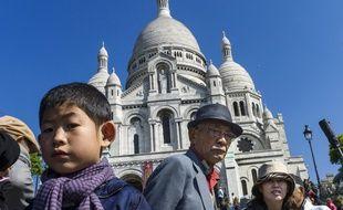 Des touristes à Montmartre.