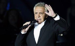 Michel Sardou sur la scène de Bercy (Paris), en décembre 2012.