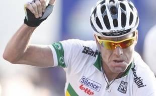 Cadel Evans devient champion du monde de cyclisme à Mendrisio, le 27 septembre 2009.