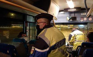 Opération de contrôle dans les cars scolaires à Châteaubriant le 14 janvier 2021.