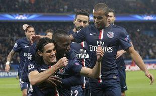 Les joueurs parisiens fêtent le but de Cavani face à l'Apoel Nicosie (1-0), en Ligue des champions, le 5 novembre 2014.