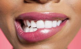 Avec le contour des yeux, les lèvres sont la partie la plus fragile de notre visage.