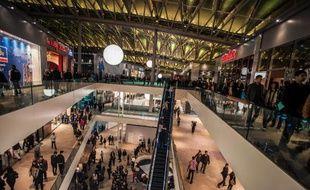 """Les performances des centres commerciaux en France restent en recul en 2013, du fait de la crise, mais le marché hexagonal reste malgré tout """"résistant"""", dynamique et attractif pour les investisseurs, avec plusieurs gros projets en préparation pour 2014."""
