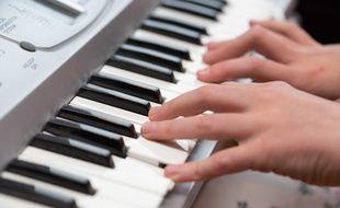 Sony a supprimé la vidéo d'un pianiste postée sur Facebook.