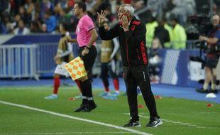 Edoardo Reja, le sélectionneur de l'Albanie, lors du match contre les Bleus au Stade de France.