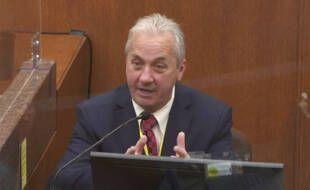 Le lieutenant Richard Zimmerman, patron de la division homicide de la police de Minneapolis, a témoigné au procès de Derek Chauvin le 2 avril 2021.