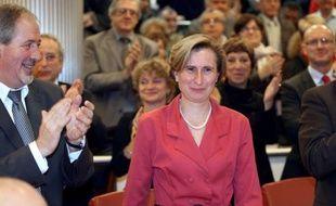 Hermeline Malherbe-Laurent (DVG) a été élue dimanche à la présidence du conseil général des Pyrénées-orientales avec 24 voix sur 31 et sept abstentions, pour succéder à Christian Bourquin (DVG), élu président de la région Languedoc-Roussillon à la mort de Georges Frêche (DVG).