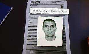 La police de Rio a affirmé avoir identifié quatre personnes et lancé un mandat d'arrêt à leur encontre.