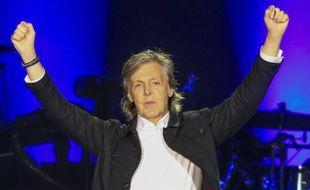 Le chanteur Paul McCartney