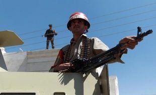 Quatre militaires yéménites ont été tués dans une attaque d'Al-Qaïda mercredi dans le sud du Yémen, où le réseau extrémiste a intensifié récemment ses attaques, a indiqué une source au sein des services de sécurité.