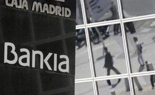 Le taux d'emprunt à 10 ans de l'Espagne s'est nettement détendu lundi matin, passant sous les 6% après l'annonce d'un plan d'aide pour les banques espagnoles qui pourrait atteindre 100 milliards d'euros, avant de remonter un peu au-dessus de ce seuil.