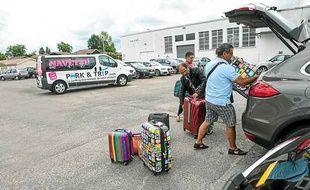 La société Park & Trip propose des parkings à bas coûts près des aéroports ou des gares