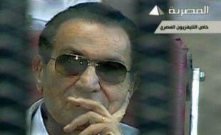 Le nouveau procès de l'ex-président égyptien, Hosni Moubarak, jugé pour la mort de centaines de manifestants lors de la révolte de début 2011, reprendra le 8 juin, a annoncé la cour à l'issue d'une audience samedi au Caire.