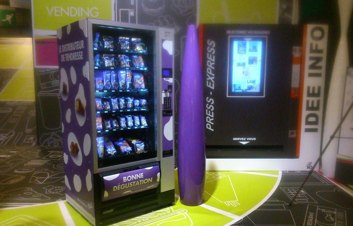 Illustration d'un distributeur Milka présenté au salon Vending, qui détaille les innovations de la distribution automatique. – O. Gabriel/ 20Minutes